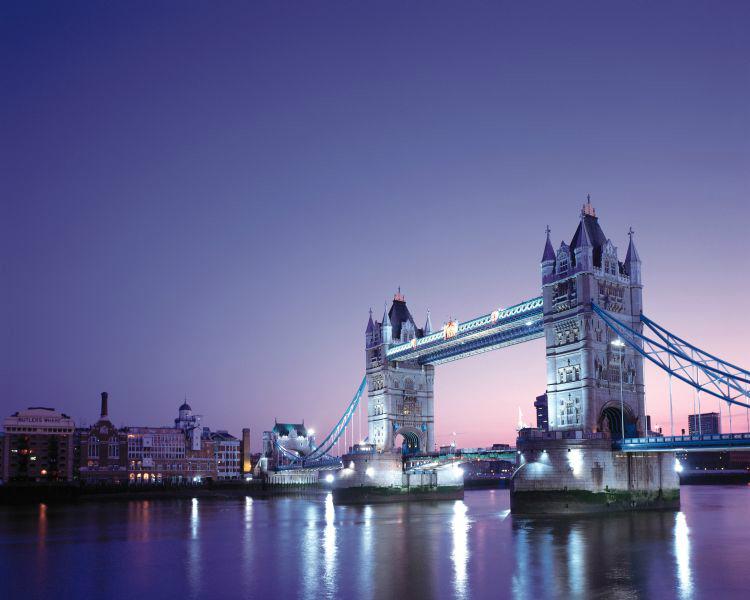 런던 파리8일