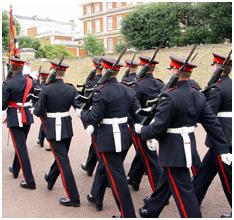 버킹검 궁전 근위병 교대식