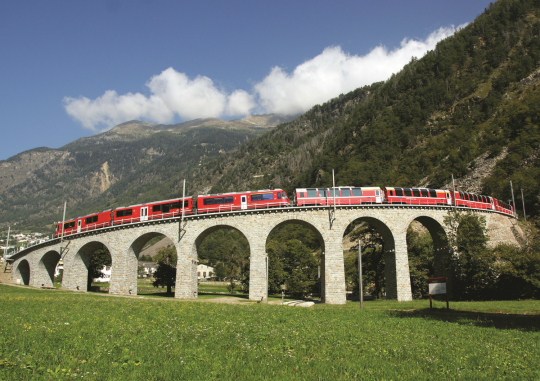 Bernina Express near the picturesque Chapel of Our Lady in Davos _1280x843px_E_NR-7521