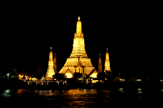 방콕 야경-새벽사원