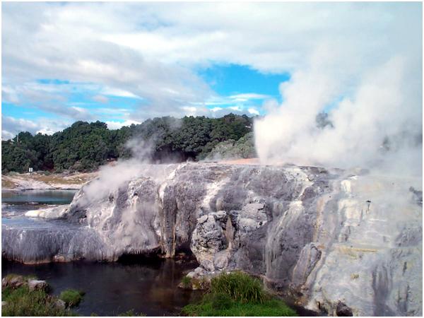 포후투 간헐천